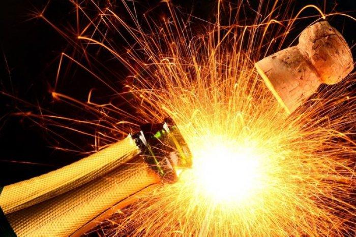Výsledok vyhľadávania obrázkov pre dopyt novoročné pozdravy na stiahnutie