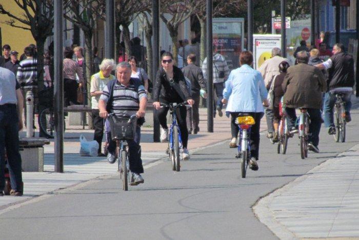 7c292271cd49 Dobré správy pre cyklistov  Možno už od augusta sa im sprístupní pešia zóna na  Námestí SNP