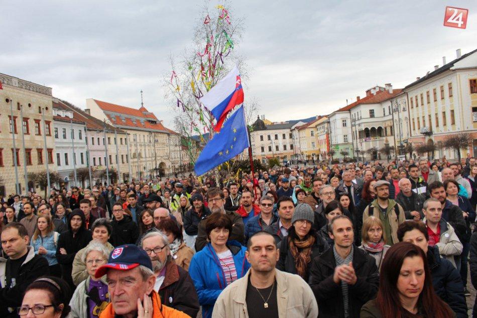 Bystrica opäť zažije veľké zhromaždenie na námestí. Podporí ho aj protest  farmárov  c8b165d6c5c