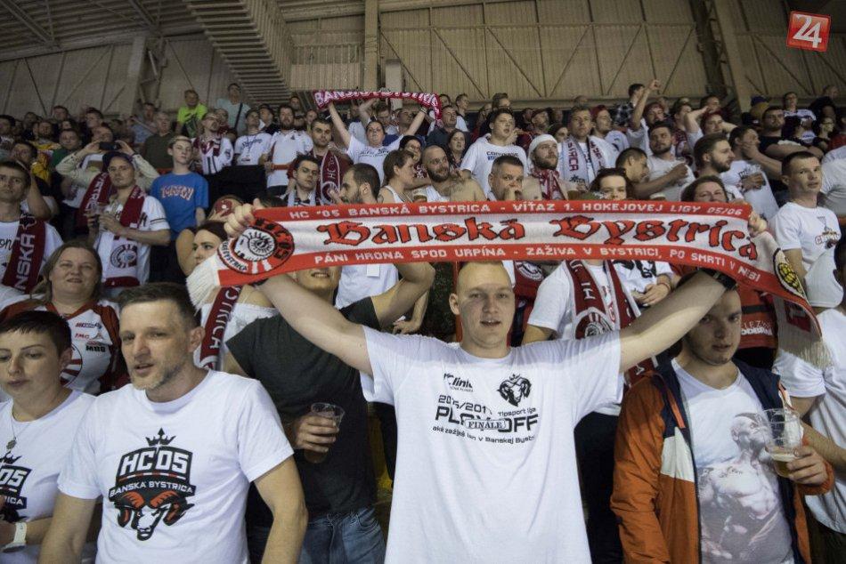 64e2643dafde3 Koľko zaplatíte za permanentky a vstupenky na 5 fotiek. Zdroj: TASR. Klub HC '05 iClinic Banská Bystrica ...